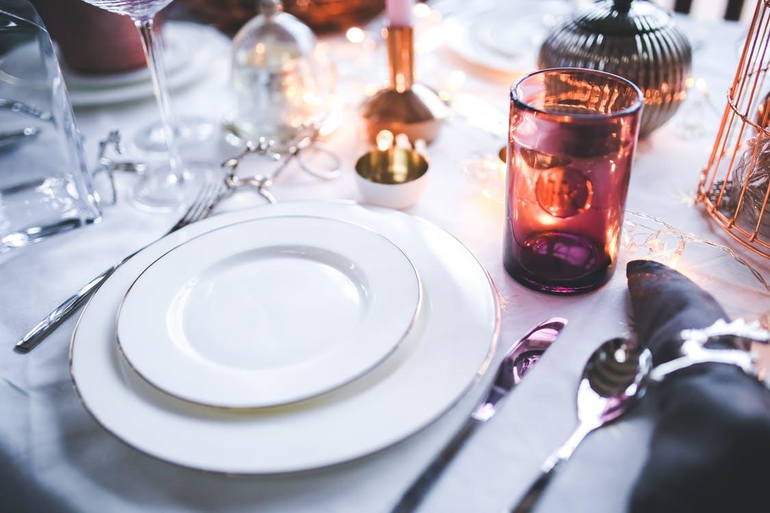 Goedkoper dineren als je voor half acht je bord leeg hebt