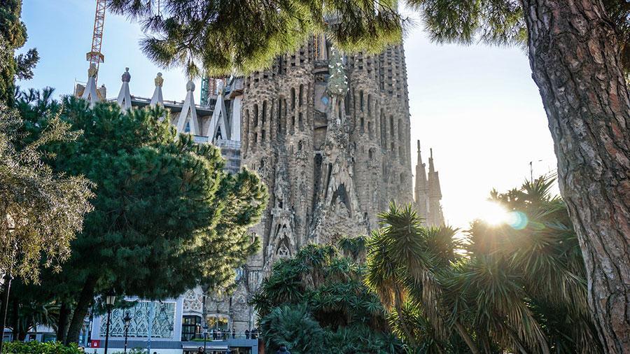 Proef het prille voorjaar in Barcelona en Valencia